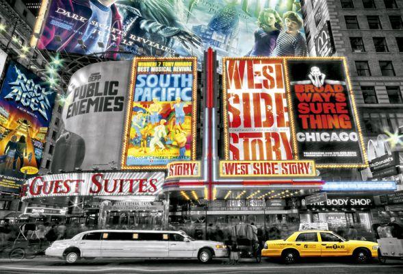 """Картонен пъзел """"Театър в Ню Йорк"""" - 4000 части"""